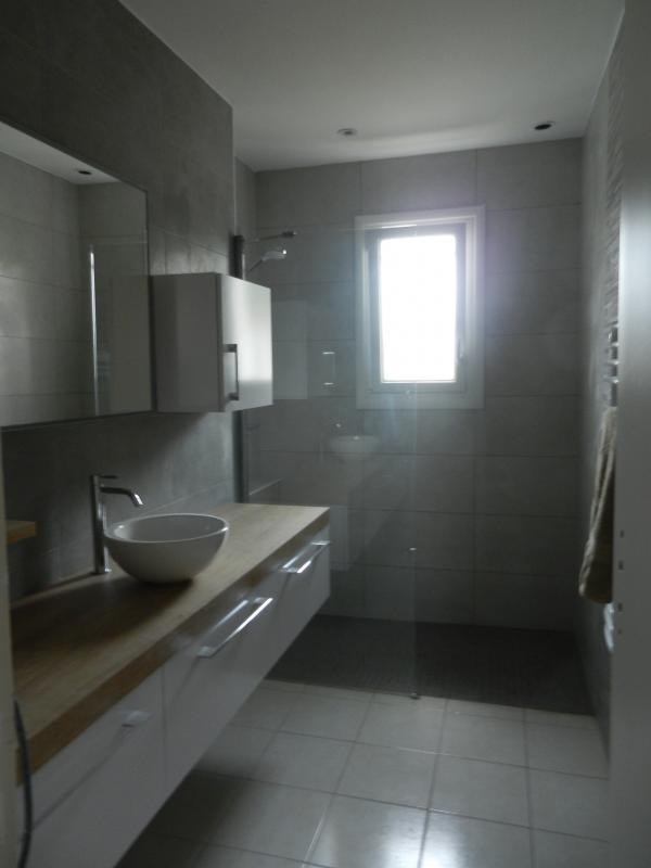 R novation d 39 une salle de bain en salle d 39 eau saint - Salle de bain ou salle d eau ...