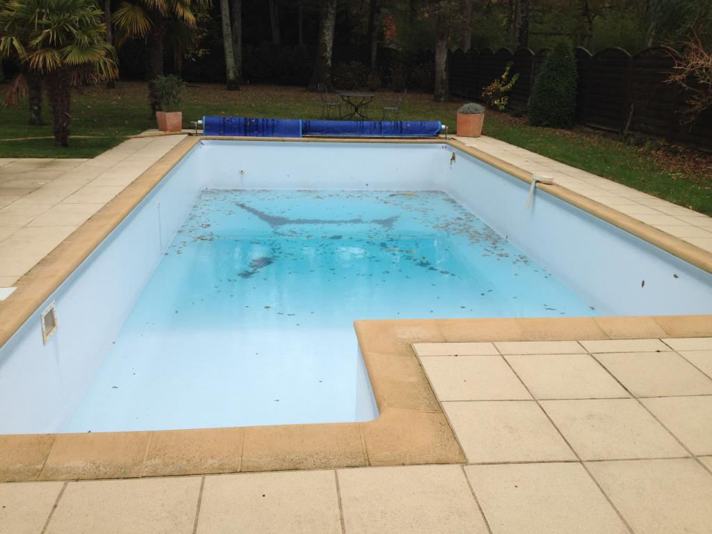 r novation piscine basse goulaine 44115